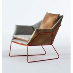 A PLACE TO SIT & RELAX IN STYLE. The thing about lounge chairs and modern living room furniture pieces—is it has to look great and be comfortable. Eclectic Chairs, Modern Chairs, Modern Armchair, Midcentury Modern, Chair Design, Furniture Design, Furniture Layout, Poltrona Design, Deco Design