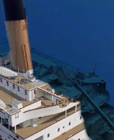 Titanic then & now rendering Titanic Wreck, Real Titanic, Titanic Sinking, Titanic History, Titanic Ship, Underwater Ruins, Titanic Underwater, Titanic Poster, Titanic Artifacts