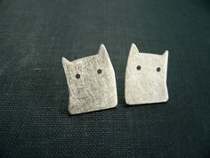 silver cat earrings, studs cat, Cat Earrings, Sterling Silver cat, Silhouette cat, cat lover gift, lucia laredo joyas, gato