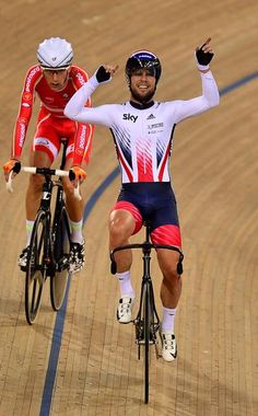 Mark Cavendish celebrates the win in the Madison Track World Championships 2016