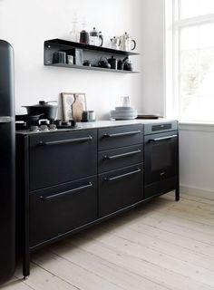 Awesome Masculine Kitchen Furniture Design IDeas - Page 23 of 33 Kitchen Furniture, Kitchen Interior, New Kitchen, Kitchen Dining, Kitchen Decor, Kitchen Ideas, Furniture Ideas, Dining Room, Furniture Design
