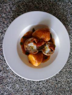 Falsomagro''(Polpettone di maiale rollato e farcito cotto al pomodoro,erbe spezie e aromi  )'' e patate  Gino D'Aquino