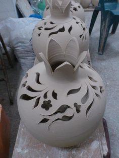 ÇINI OYMA SANATI MEHMET -sehr schön mit den Kalligrafie-Elementen und Symbol des Granatapfels