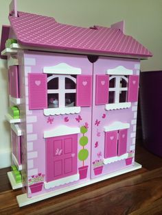 Little dolls house