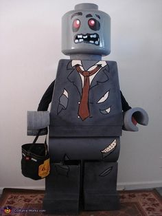 old Matthew as a Lego Zombie Man. A homemade costume, made by Matthew's dad. Check out other great Lego costume ideas in our gallery. Lego Halloween Costumes, Lego Man Costumes, Lego Costume, Scary Costumes, Halloween Costume Contest, Cute Costumes, Halloween Kids, Costume Ideas, Emmet Costume