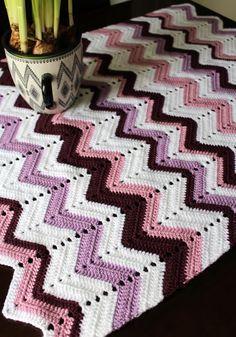 Virkattu siksak-peitto vauvalle | Crochet baby blanket | Pitsin viemää