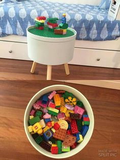 Kmart storage tub hacked with a Lego mat Source by Lego Bedroom, Kids Bedroom Furniture, Minecraft Bedroom, Bedroom Kids, Minecraft Furniture, Storage Tubs, Lego Storage, Smart Storage, Lego Duplo