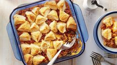 Short on time? Pillsbury™ Grands!™ Southern Homestyle Buttermilk Biscuits turn simple ingredients into a satisfying weeknight casserole in just one hour. Try a biscuit-topped bake that Buttery Biscuits, Buttermilk Biscuits, Kraft Recipes, Kraft Foods, Burger Toppings, Cheeseburger Casserole, Ground Beef Casserole, Glass Baking Dish, Casserole Recipes