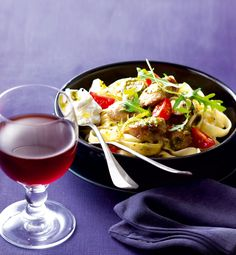 Pot-au-feu de veau à l'italienne Thai Red Curry, Cooking, Ethnic Recipes, Marie Claire, Food, Tiramisu, Table, Italia, Cooking Recipes