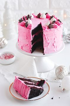 Chocolate Cake with Pink Peppermint Frosting Chocolate Flavors, Chocolate Recipes, Chocolate Cake, Round Cake Pans, Round Cakes, Peppermint Meringues, Pink Food Coloring, Pink Frosting, Star Cookies
