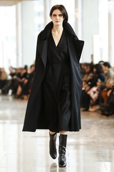 Christophe Lemaire Ready To Wear Fall Winter 2014 Paris - NOWFASHION