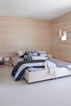 Skammin talo - Puu on niin IN! @Asuntomessublogit / Ruutupaperilla Bedrooms, Architecture, Interior, Google, Furniture, Home Decor, Arquitetura, Decoration Home, Indoor