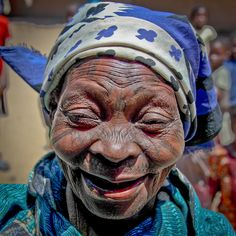 Makonde woman - Photo Credits: Kaobanga