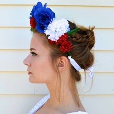 DIY 4th of July Flower Crown by DIY Ready at http://diyready.com/how-to-make-a-flower-crown-pretty-flower-headbands/