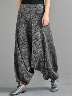 Fashion Elastic Waist Harem Pants with Pockets Newchic Tesettür Şalvar Modelleri 2020 Harem Pants Pattern, Fashion Pants, Fashion Outfits, Plus Size Pants, Mode Hijab, Skirt Pants, Plaid Pants, Chic Outfits, Latest Fashion Trends