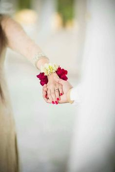ff455d7e23fe Image for Super Cute Hands with a Rose Unseen Dp Pic for fb Girls ...