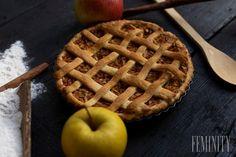 Jablkové pochúťky 3x inak: Vyskúšajte klasické recepty ako bábovku či mrežovník na iný štýl Waffles, Breakfast, Food, Basket, Morning Coffee, Essen, Waffle, Meals, Yemek
