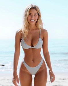 Sexy girls in bikini – Busty Sarenna Lee Bikini Babes, Sexy Bikini, Bikini Models, Mädchen In Bikinis, Bikini Swimwear, String Bikinis, Swimsuits, Bikini Beach, Jolie Lingerie