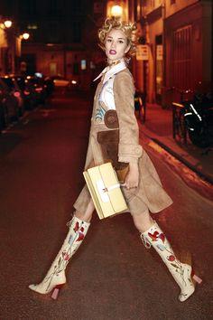care18 Harpers Bazaar UK Março 2014 | Naomi Campbell, Karolina Kurkova + mais por Karl Lagerfeld  [Editorial]