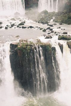 overflow / luznahir Beautiful Scenery, Beautiful Waterfalls, Beautiful World, Most Beautiful, Angel Falls, Iguazu Argentina, Valar Dohaeris, Wonderful Places, Beautiful Places