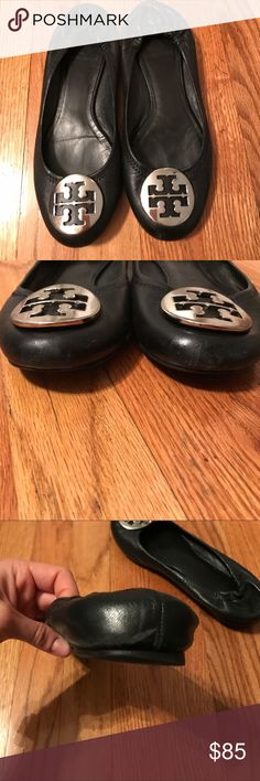 Tory burch flats Very good condition! Little scuff on back of left Tory Burch Shoes Flats & Loafers