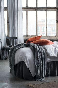 Lot de 2 rideaux en lin: QUALITÉ PREMIUM. Rideaux en lin lavé au tombé lourd. Suspension coulissante avec large glissière. Bande d'ourlet incluse pour ajuster facilement la hauteur.