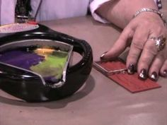 Suze Weinberg demos Ranger's Melting Pot™ and Memory Frames™ at CHA