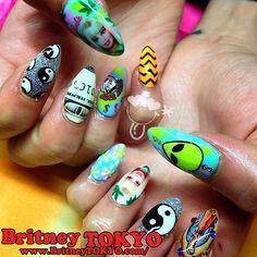 @Britney Chickenpow Chickenpow TOKYO hooked me up with flawless coachella nailz ✌✌ arigato! ✨