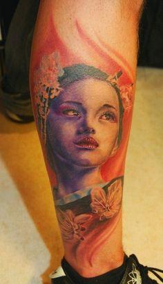 tatuajes de geishas en la pierna