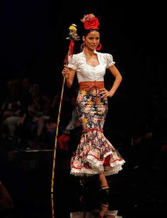 Flamenco Party, Flamenco Costume, Anniversary Dress, Costumes Around The World, Trumpet Skirt, Frocks, Lace Skirt, Skirts, Clothes