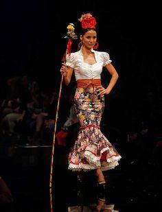 Flamenco Party, Flamenco Costume, Anniversary Dress, Costumes Around The World, Trumpet Skirt, Dance Music, Frocks, Lace Skirt, Skirts