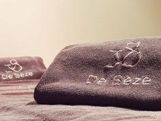 """L'hôtel de Sèze & Spa**** & ar457 présentent """"Le Massage de Sèze"""", un soin alliant les bienfaits reconnus de l'huile d'Argan ar457 et les pratiques traditionnelles japonaises pour vous apporter un soin anti-stress par excellence. Pour réserver, téléphonez au 05 56 14 16 14 ou envoyez un courriel au spa@hotel-de-seze.com – Hôtel de Sèze - 23 Allée de Tourny, 33000 Bordeaux - www.hotel-de-seze.com"""