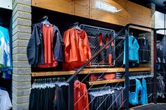 officeTwelve is proud to have collaborated with Nike to create and implement a new retail concept for the running specialist retailer, Runners Need. Drawing on the key elements of Nike's retail presentation of its running category, the concept offers a co…