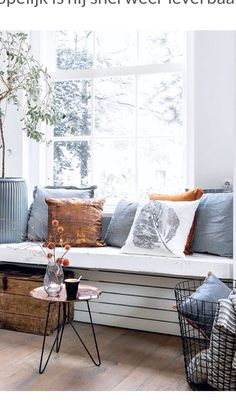ISSUU - Bladerboekje 101 november by Home Deco / Sanoma Living Room Inspiration, Interior Inspiration, Home Living Room, Living Spaces, Sweet Home, Interior Architecture, Interior Design, Home And Deco, Home Fashion