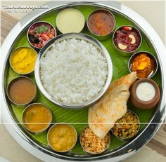 wow this is exactly how dinner looked like in Rajasthan India nd it was delicious