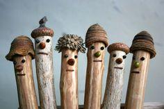 スリランカの畑などで出る間伐材や廃材を利用した手作りの木のネイチャーペンシルです。1本1本、多くの人の手によって心をこめてつくられたネイチャーペンシルがどんぐりの帽子をかぶってこのたび「どんぐりペンシル」として誕生しました。