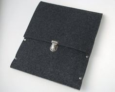 Ipad sleeve is a great way to carry and protect your iPad 2 . This Ipad cover is made from gray synthetic felt.  $19,99