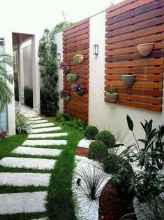 Small Backyard Ideas - Also if your backyard is small it likewise can be very comfy and also welcoming. Having a small backyard does not mean your backyard landscaping . Modern Backyard, Backyard Patio, Backyard Landscaping, Landscaping Ideas, Backyard Designs, Vertical Gardens, Small Gardens, Outdoor Gardens, Minimalist Garden
