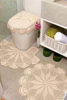 Confira aqui os modelos mais bonitos de jogo de banheiro de crochê para inspirar sua decoração do banheiro, lavabo e sala de banho. Mais dicas essenciais!