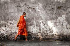 Walking by Anuchit Sundarakiti