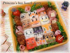 Anpanman cubic onigiri bento Japanese Food Art, Japanese Culture, Japanese Style, Cute Food, Yummy Food, Amazing Food Art, Cute Bento Boxes, Kawaii Bento, Bento Recipes