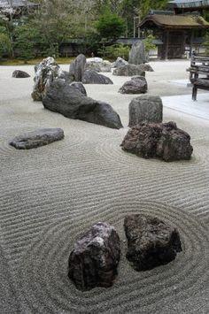 Japanese Zen Garden, how peaceful. Japanese Rock Garden, Zen Rock Garden, Zen Garden Design, Japanese Garden Design, Garden Stones, Garden Art, Landscape Design, Japanese Gardens, Jardin Zen Miniature