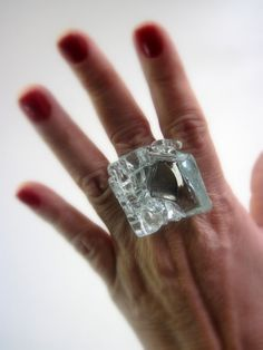 MAXI ANEL de vidro transparente  base metal ajustável n 19 3,5 x 3,5 cm R$38,00