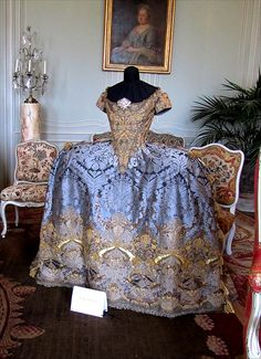 Villarceaux -17th century court dress by april-mo, via Flickr