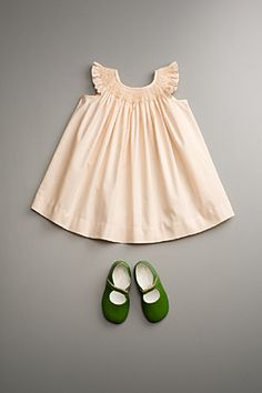 neutral dress, but shoes pop - love these colors, cream and moss. Must have an outfit like this for ME too haha. Fashion Kids, Little Girl Fashion, My Little Girl, My Baby Girl, Look Fashion, Baby Born, Green Fashion, Neutral Dress, Kid Styles