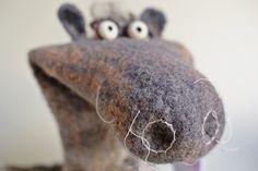 Griselda von Hufschlag  © Filzreich Puppet Making, Sheep Wool, Puppets, Wool Felt, Fancy, Horses, Handmade, Hand Puppets, Sheep