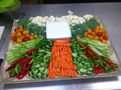 Crudites Platter Centerpiece | Vegetable crudités raw veg platter | Deli Trays…
