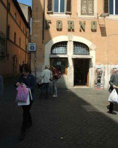 Entrance to Forno's Great take-out pizza-GO. Campo de' Fiori, 22-end of Campo toward us.