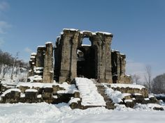 """Ruins of the Ancient Sun Temple (Marthanda Temple) in Kashmir, India. Erich von Daniken, author of the popular research book """"The Chariots of the Gods"""" believes that this temple was a landing zone for extra terrestrials who visited earth in the ancient times.    IMG: sarsonkekhet.in"""