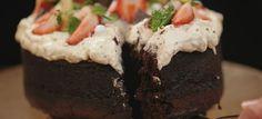 """Gluteeniton Marianne poke-kakku eli """"tökkäyskakku"""" on mitä sopivin herkku esimerkiksi koulujen päättäjäisiin tai ylioppilasjuhliin. Kakusta riittää 10-12 henkilölle."""